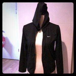 Adorable Nike thin jacket perfect for anything
